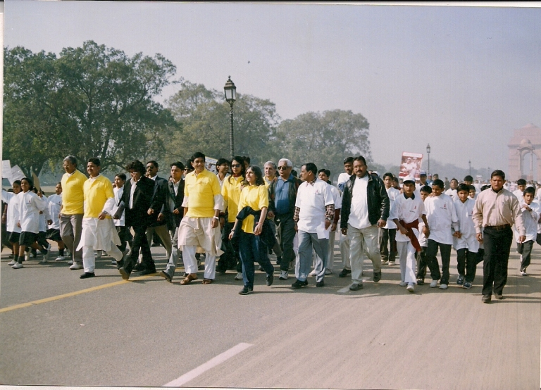 WALK FOR LIFE - WORLD AIDS DAY 2004