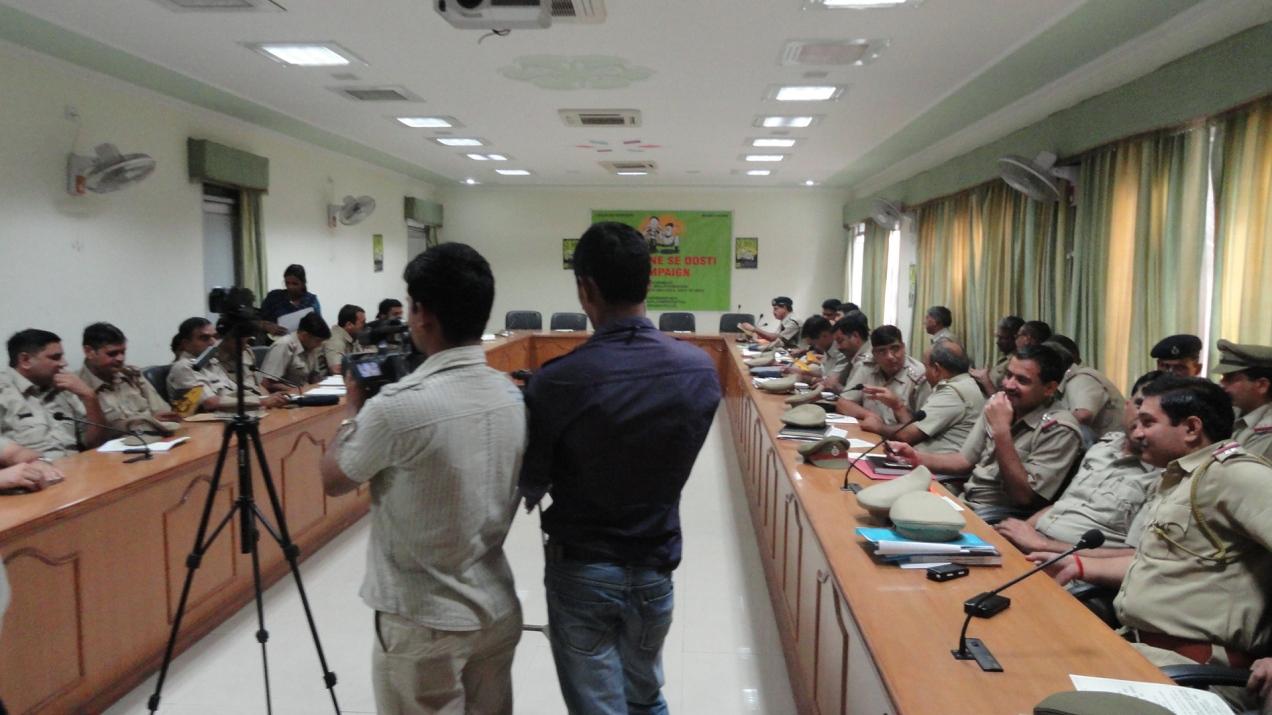 CHILDLINE SE DOSTI CAMPAIGN - SHAKTI VAHINI AND CHILDLINE GURGAON IN COLLABORATION WITH GURGAON POLICE