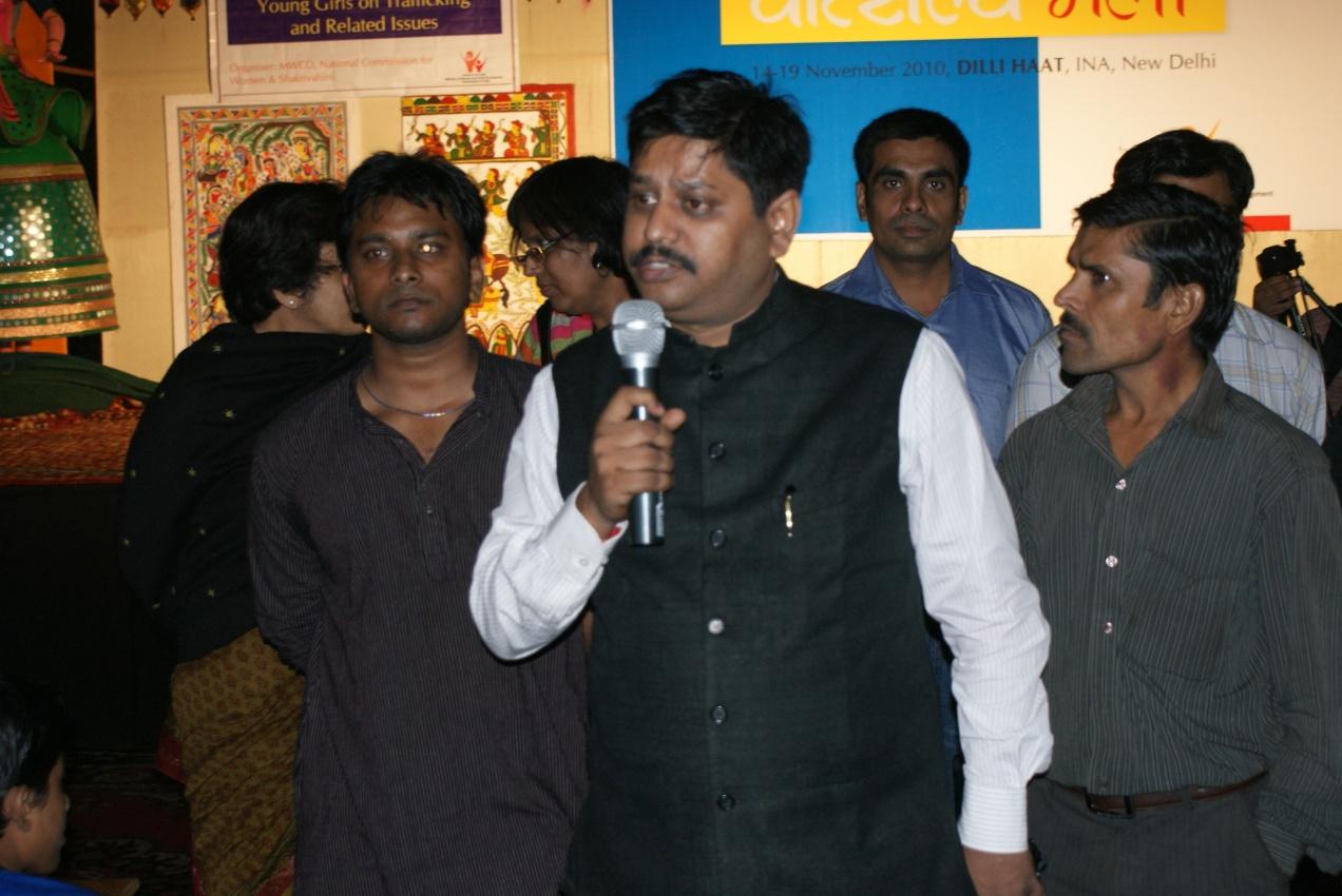 RISHI KANT OF SHAKTI VAHINI SPEAKING AT THE VATSALYA MELA DELHI HAAT ON HUMAN TRAFFICKING